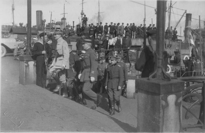 Vabadussõda. Prantsuse sõjalise missiooni juht Brigaadikindral Etievant'i saabumine Tallinna. Foto: Eesti Rahvusarhiiv, G. Parikas