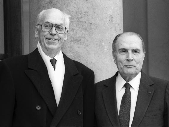 President Lennart Meri visiit Prantsumaale. Mitterrand ja Meri Elysée trepil. Foto: Prantsuse välisministreeiumi arhiiv, Frédéric de La Mure