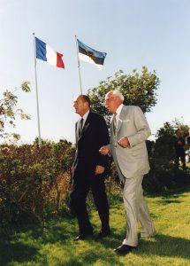 President J. Chirac riigivisiidil Eestis. Presidendid Lennart Meri koduaias Viimsis. Foto: Erik Peinar