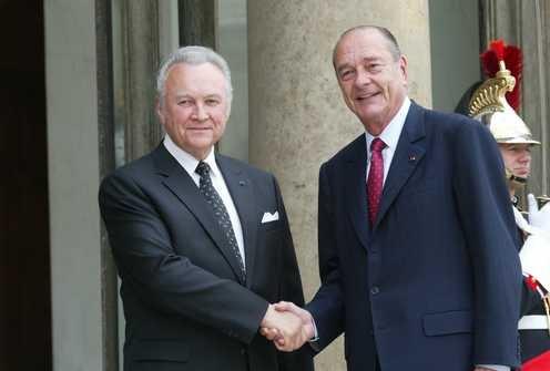 Arnold Rüütel visiidil Pariisis. Elysée trepil president Chiraciga. Foto: Prantsuse välisministeeriumi arhiiv, C.Stefan